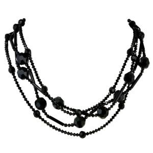 stiletto_necklace_crop