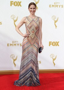 Ellie-Kemper-2015-Emmy-Awards-Red-Carpet-Fashion-Naeem-Khan-Tom-Lorenzo-Site-TLO-1