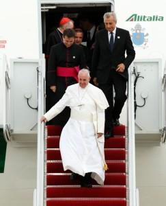 pope-francis-arrives-washington