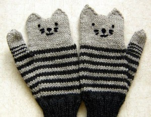 2-Black-and-Gray-cute-mittens-gloves